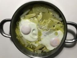 Espárragos guisados con huevo